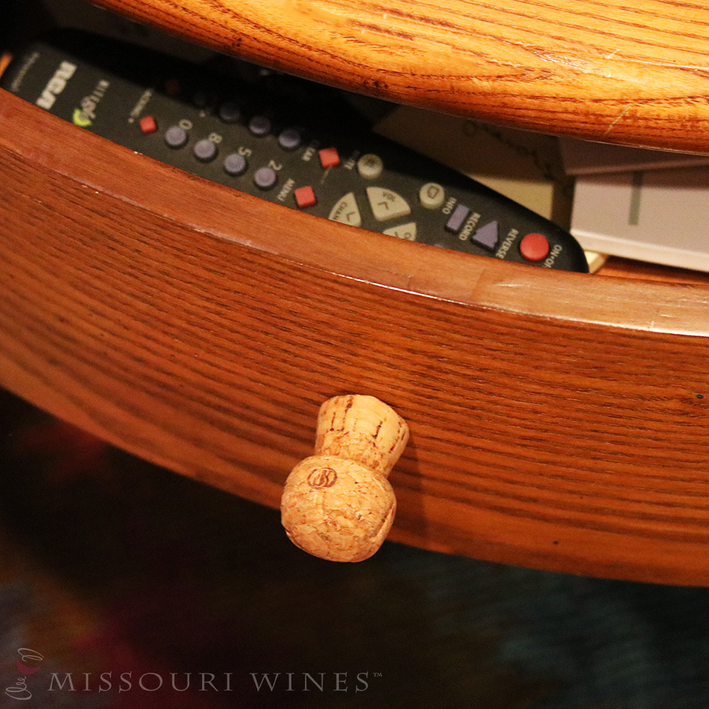 12 life hacks with wine corks mo wine for Wine cork replacement