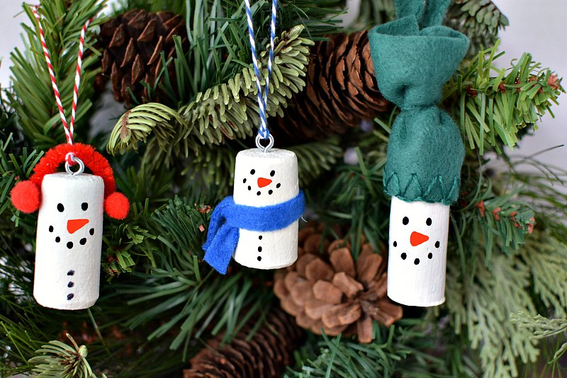 DIY Snowman Ornaments | 6 Wine Crafts Full of Holiday Cheer