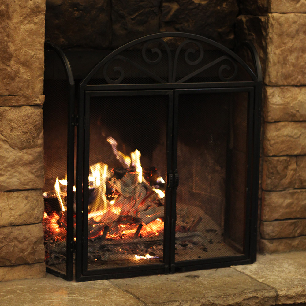 Fireplace burning bright and warm at Keltoi Vineyards | MO Wine