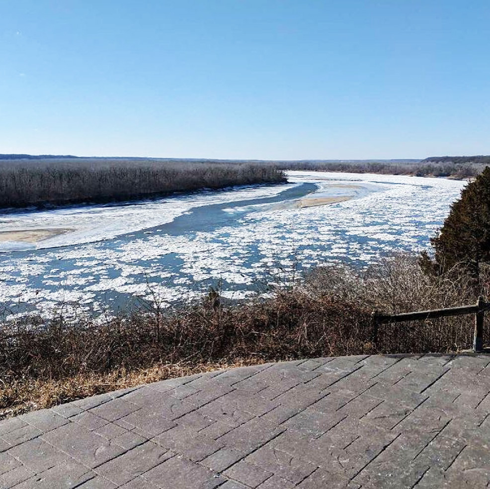 Frozen Missouri River view from Les Bourgeois Vineyards | MO Wine