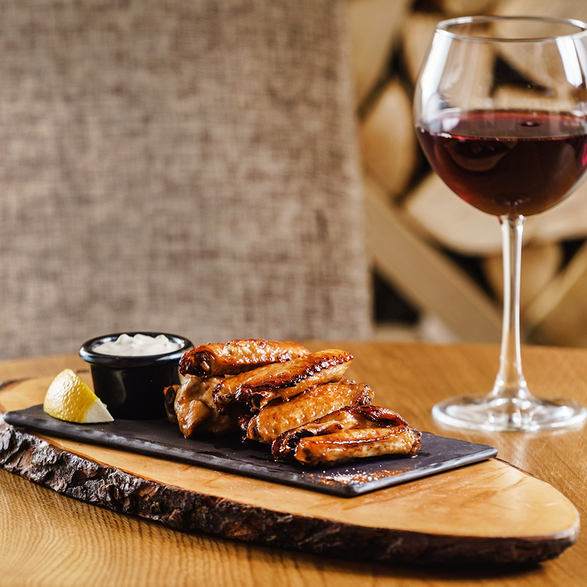 Chicken Wings And Mo Wine Mo Wine
