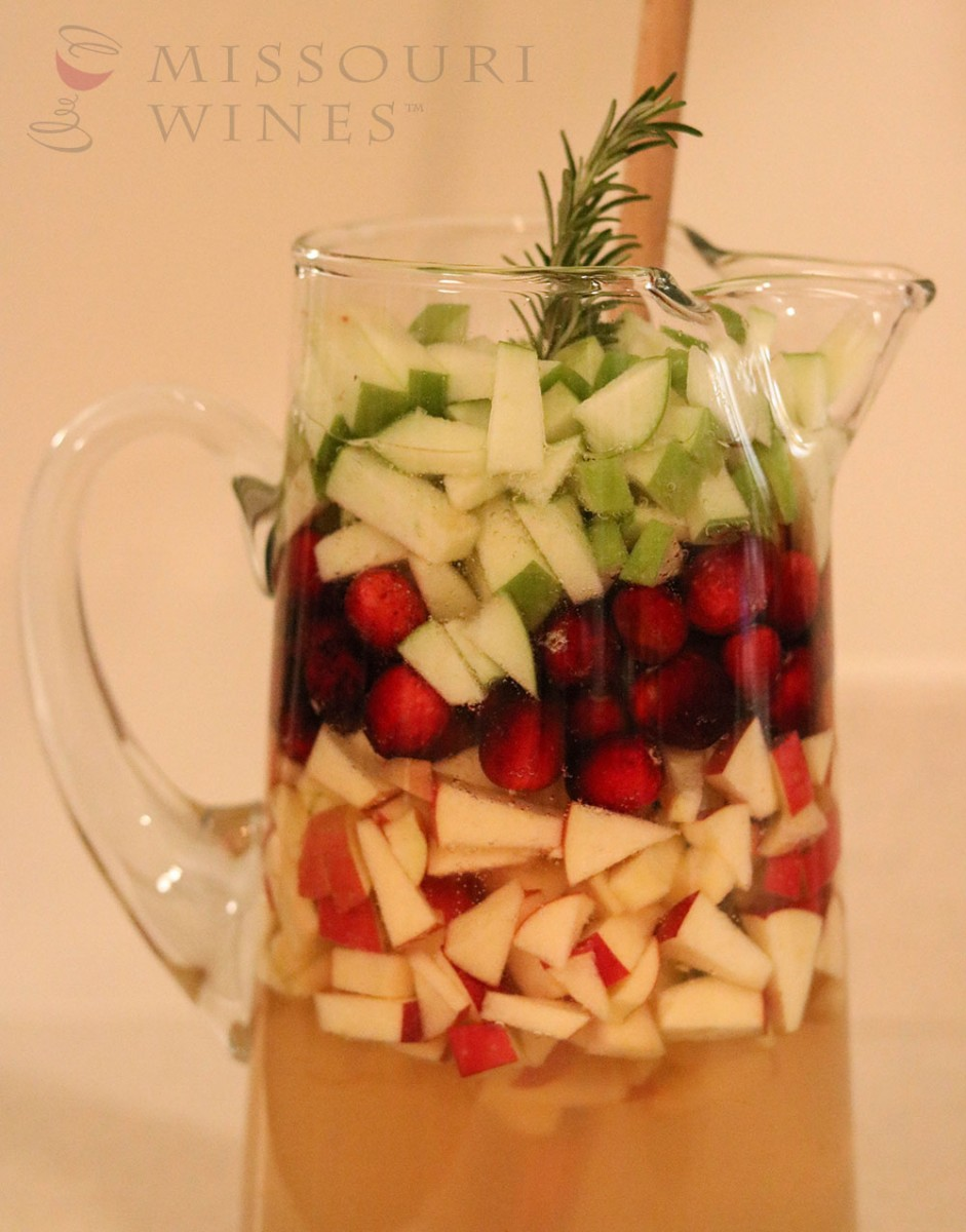MO White Winter Sangria Pitcher