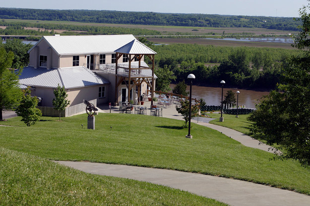 17 Wineries to Visit While Hiking or Biking the Katy Trail | MO Wine