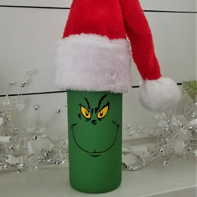 DIY Grinch Wine Bottle | 6 Wine Crafts Full of Holiday Cheer
