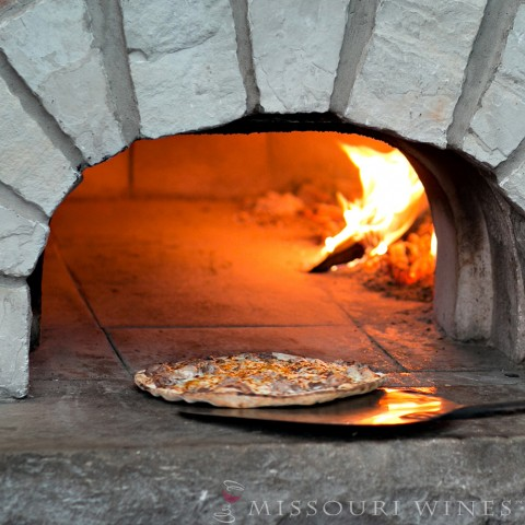 Wood fired pizza at a Missouri winery